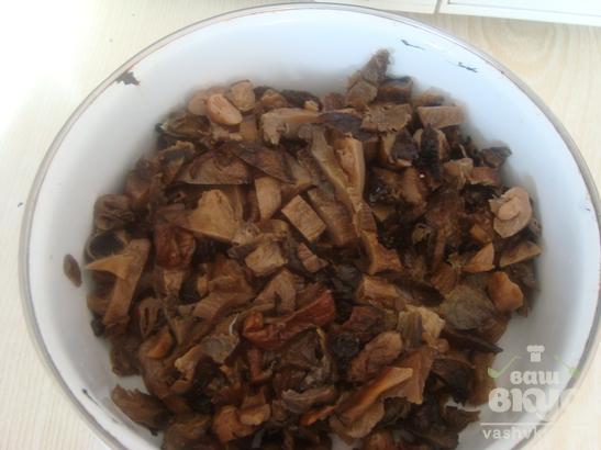 Пирог с грибами и луком