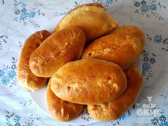 Пирожки с бланшированной капустой и яйцом