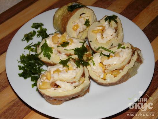 Быстрая закуска из омлета с плавленным сыром и кукурузой