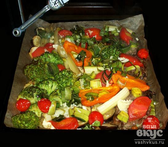 Стейк из свинины с овощами