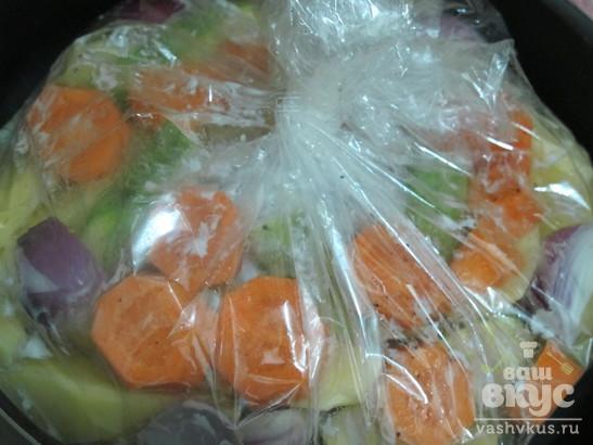 Курица с овощами запеченная в пакете или рукаве