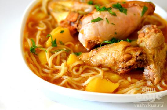 Куриный томатный суп с лапшой