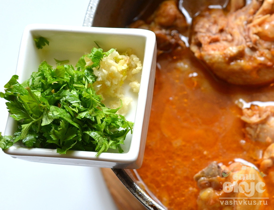 Жаркое из курицы с томатом