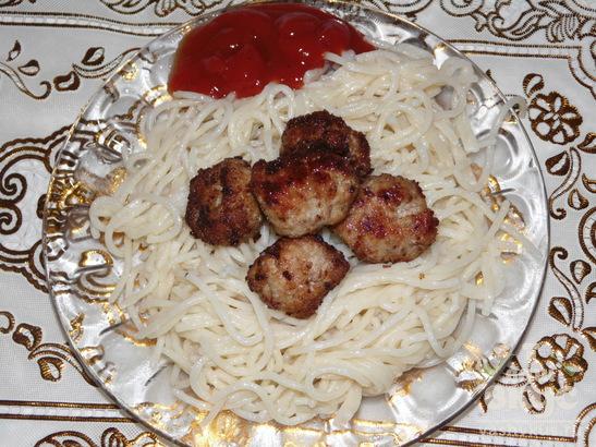 Спагетти с тефтельками