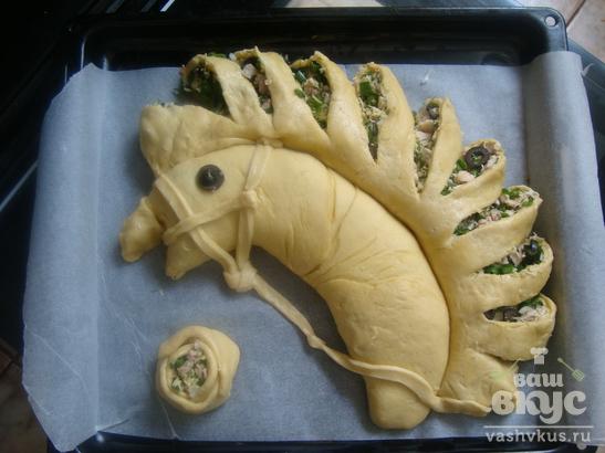 """Пирог с курицей и зеленым луком """"Белогривый конь"""""""