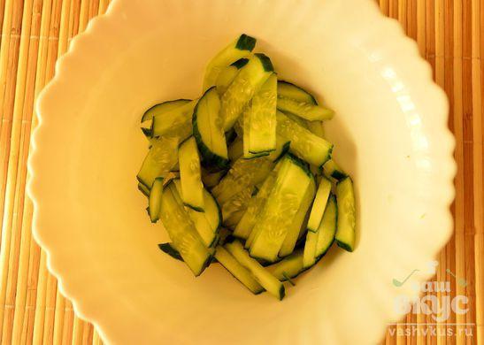 Салат для стройной фигуры с огурцом и зеленью