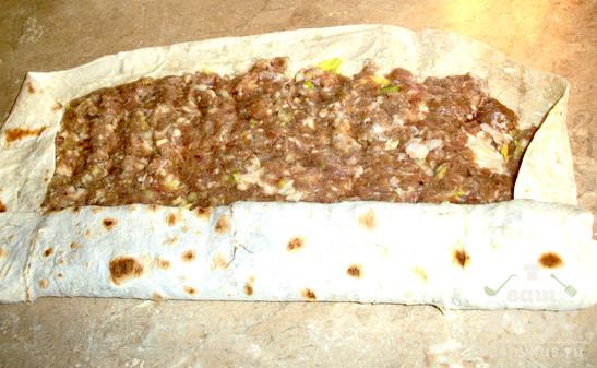 Рулет из лаваша с мясной начинкой