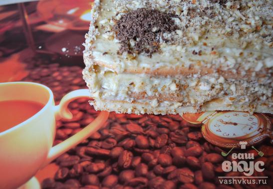 Бисквитный мини-торт с банановым кремом