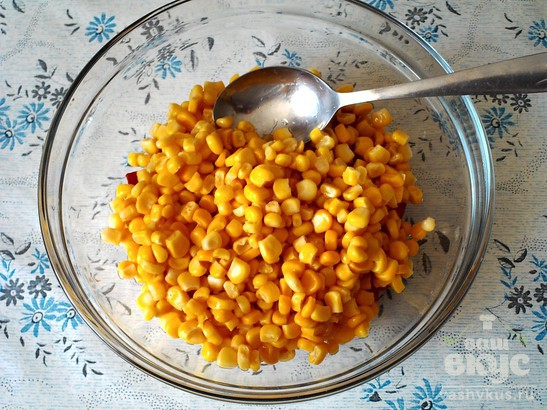 Салат с кукурузой и болгарским перцем