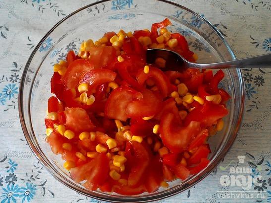 Салат с болгарского перца и кукурузы