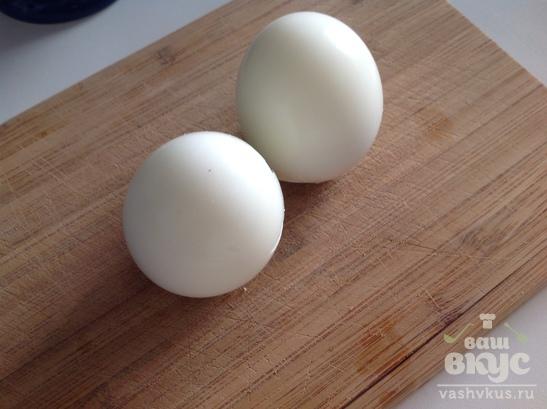 "Салат из курицы, помидора и яйца ""Кармен"""