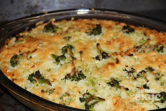 Рисовая запеканка с брокколи
