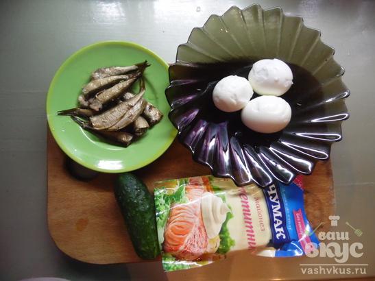 Яйца фаршированные со шпротами