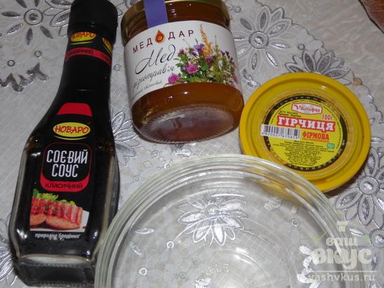 Куриные голени с картофелем в соевом соусе