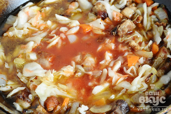 Бигус из квашеной капусты с копченой колбасой