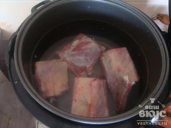 Томатный суп с ребрышками в мультиварке