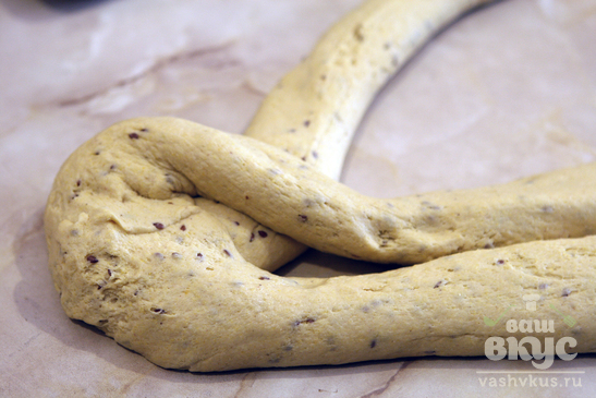 Хлеб - косичка с кукурузной мукой