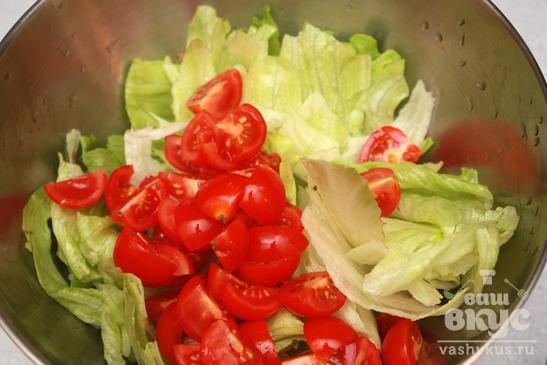 Летний салат с консервированным тунцом