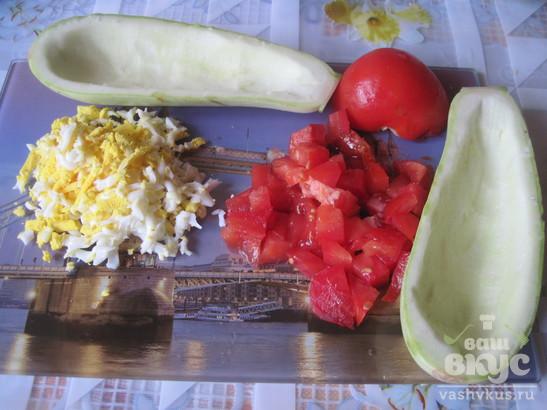 Запечённые кабачки с сыром и помидорами