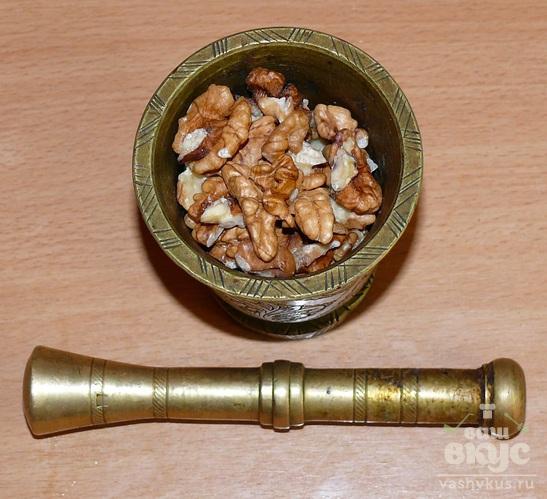 Харчо из баранины с грецкими орехами