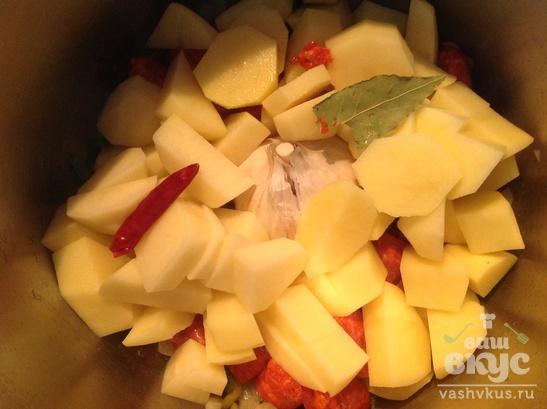 Тушеная картошка с чоризо