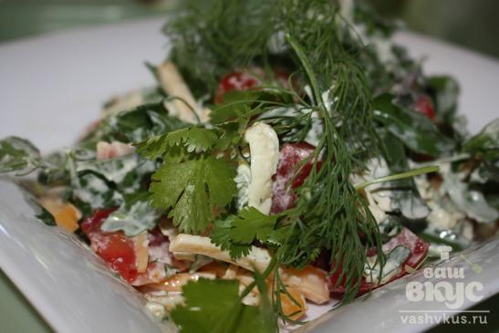 Салат с рукколой и омлетом
