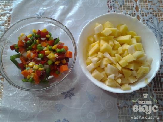 Фасолевый суп с фрикадельками и овощной смесью