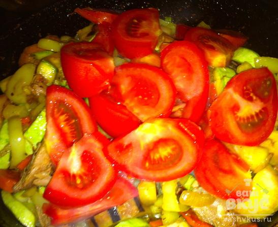 Овощное соте с отварной индейкой