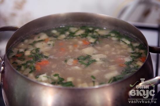 Суп с перловкой и сельдереем
