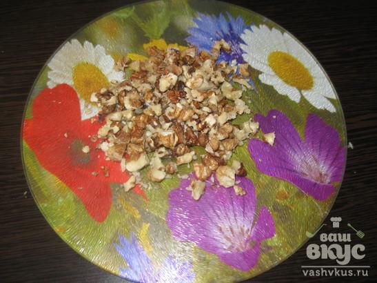 Салат из сардин, яблок и сельдерея