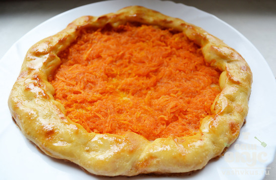 Открытый морковный пирог