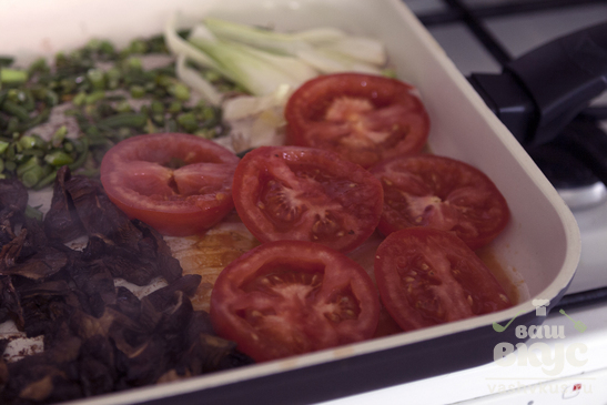 Яичница с овощами гриль