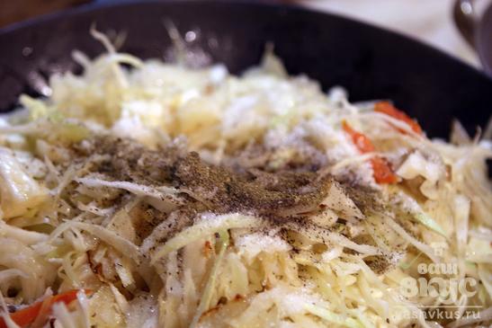 Тушеная капуста с шампиньонами и рисом