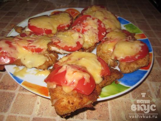 Куриные отбивные с помидором и сыром