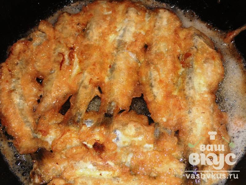 Мойва, жаренная в кукурузной муке, пошаговый рецепт с фото.