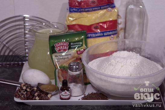 Кукурузный хлеб с орехами, мёдом и семенами льна