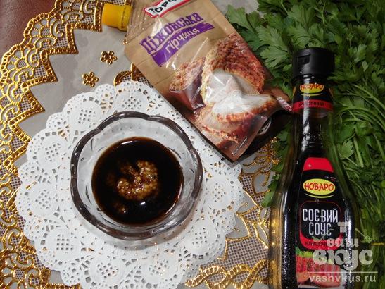 Китайский салат с грибами и курицей