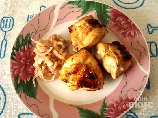 Куриный шашлык, маринованный в кефире с луком