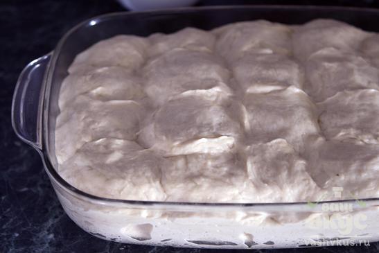 Дрожжевой пирог с солёными груздями и рисом
