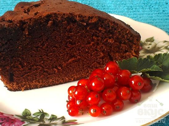 Пышный шоколадный кекс