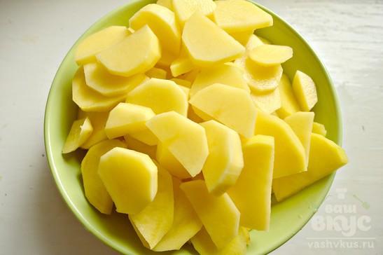 Капуста, жаренная с картофелем и чесноком на сале