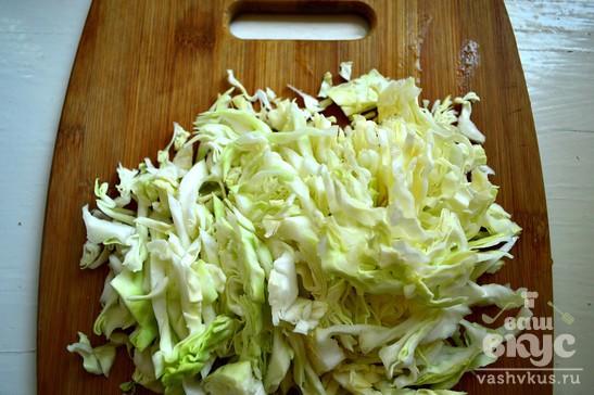 Рис, тушеный с кабачками, капустой и перцем