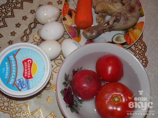 """Салат с курицей и помидорами """"Красная шапочка"""""""