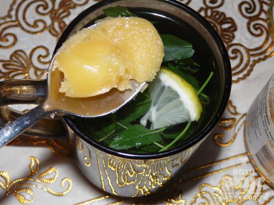 Мятный чай с медом