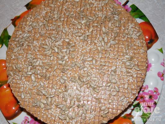 Торт из вареной сгущенки и вафельных коржей