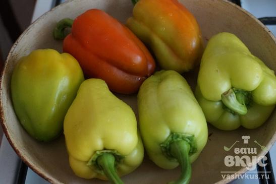 Перец жареный с помидорами и баклажанами