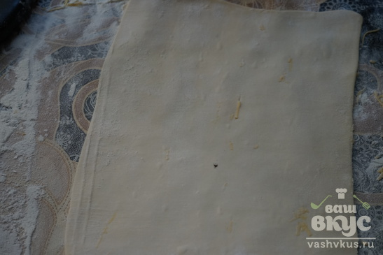 Сырные палочки из слоеного теста