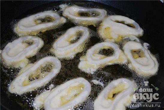 Жареные кольца кальмара в кляре