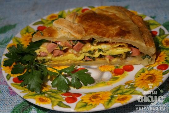 Пирог с ветчиной и сыром из слоеного теста
