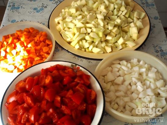 Кабачковая икра с помидорами на зиму